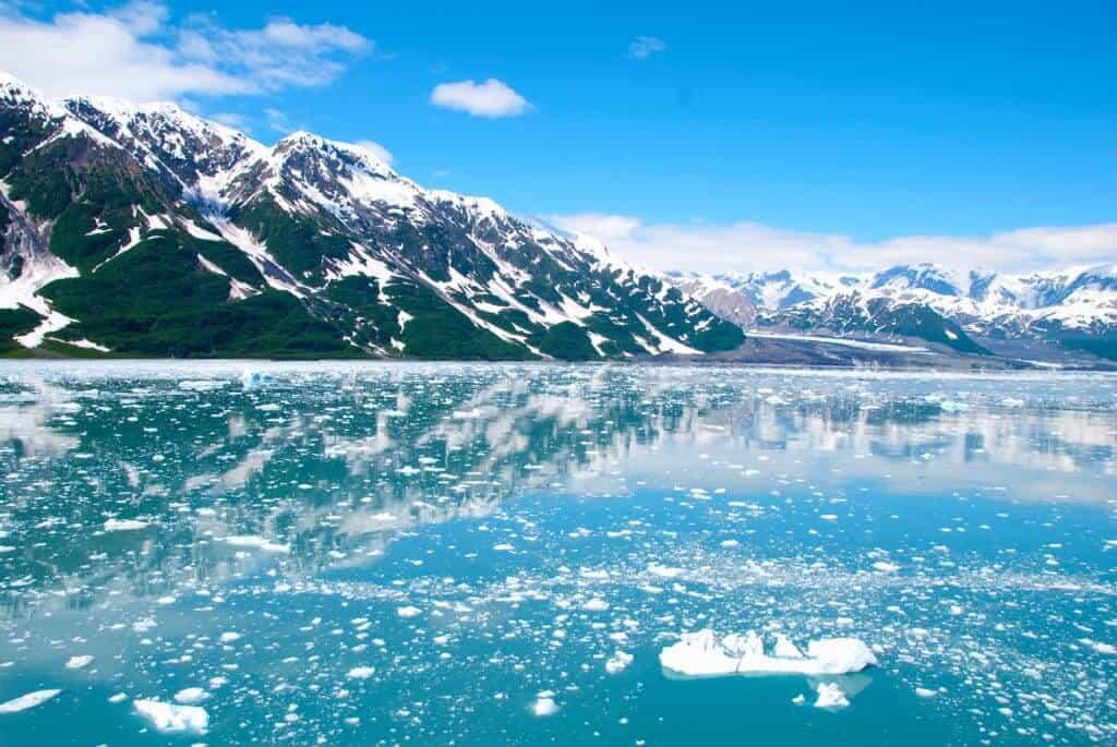 alaska glacier ice mountains