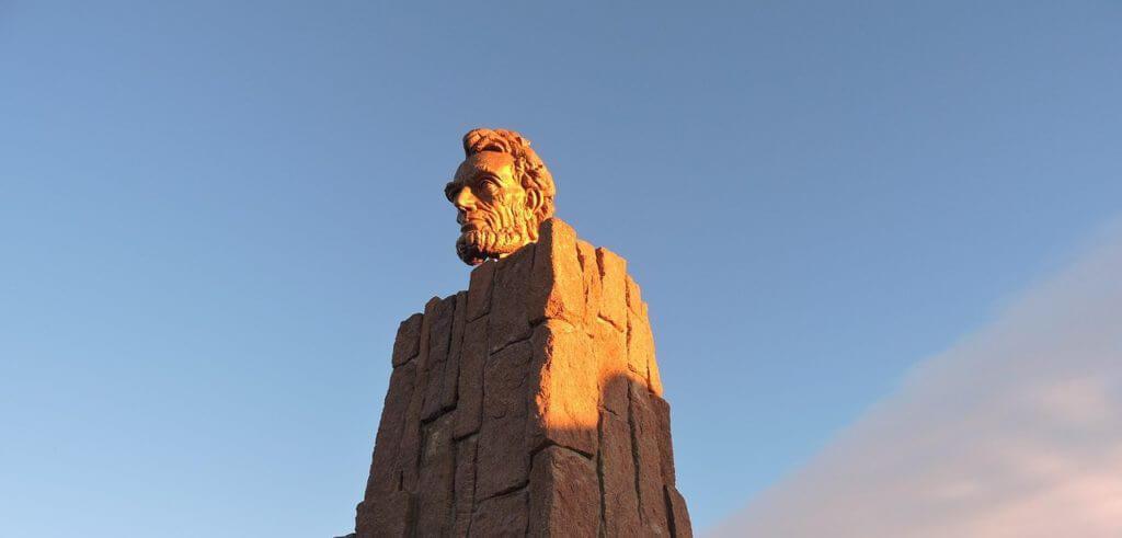 abraham lincoln wyoming statue e1495041459396