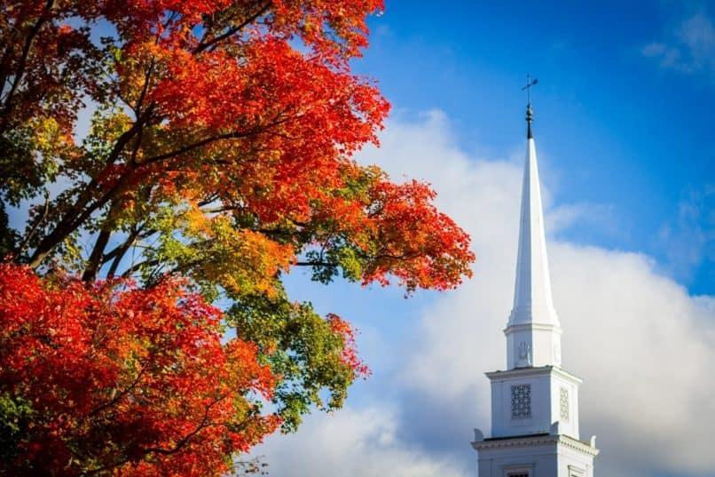 Dartmouth fall foliage