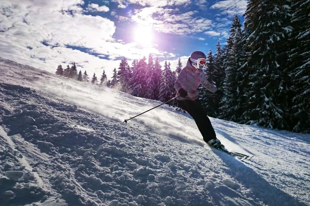 skiing college winter break