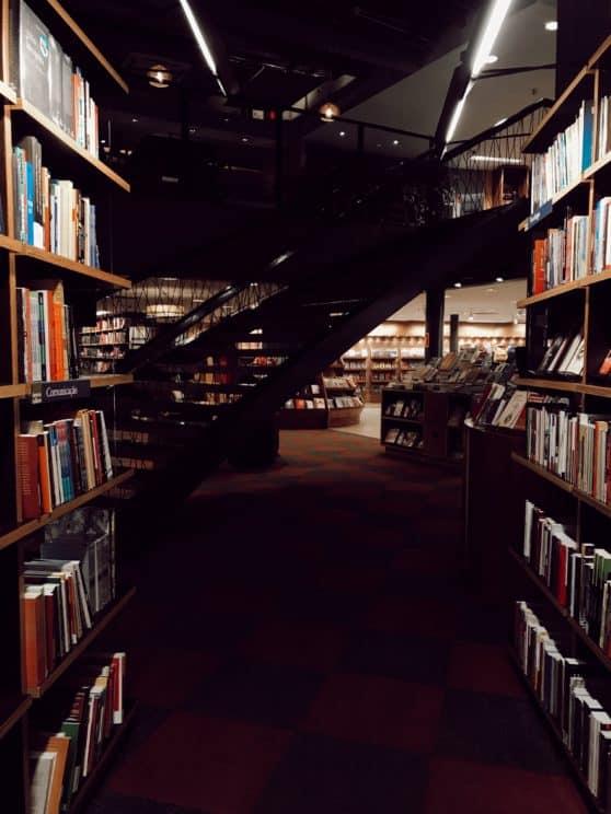 bookcase books bookshelves 1850021