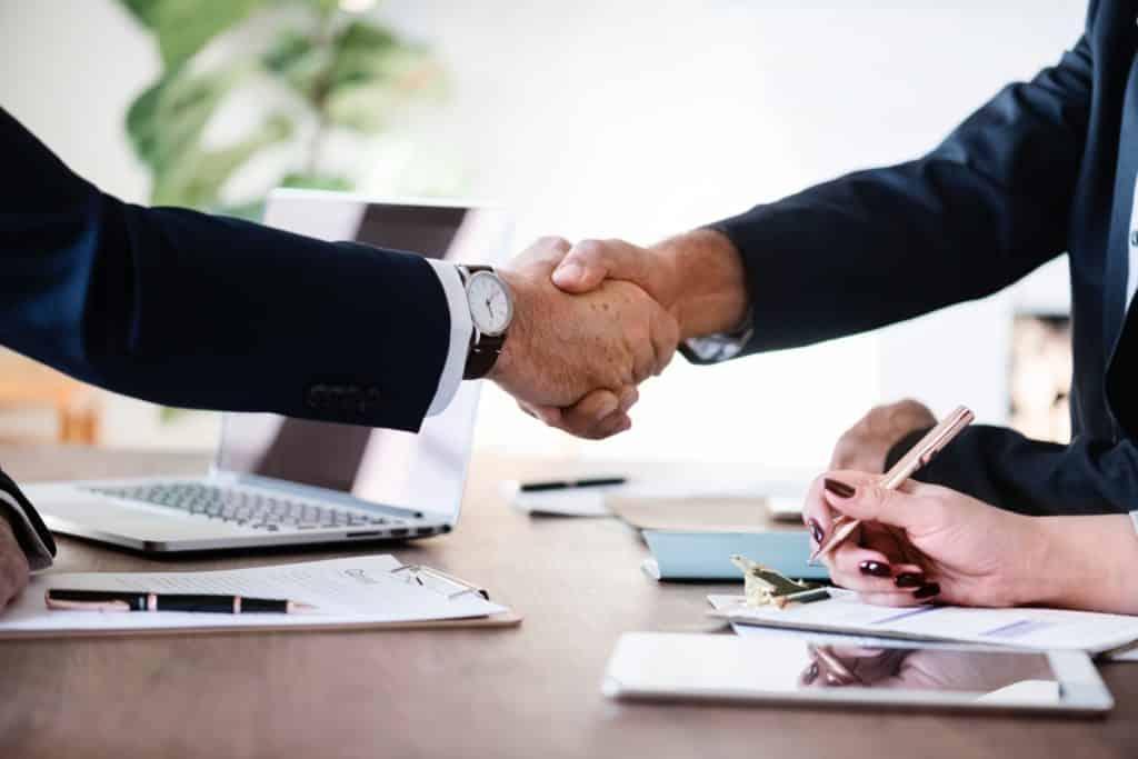 businessmen collaboration cooperation 886465
